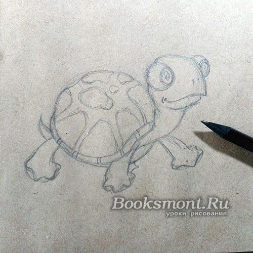 прорисуем поверхность панциря, добавляя пятна в виде овальных форм