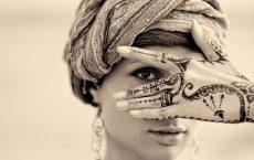 Мехенди на руке - изящное украшение