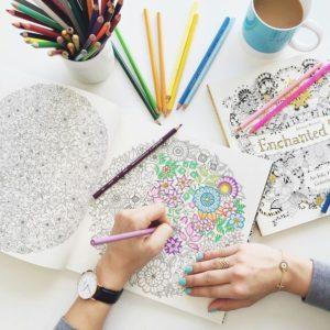 Миниатюра к статье Как украсить личный дневник: идеи для оформления для девочки